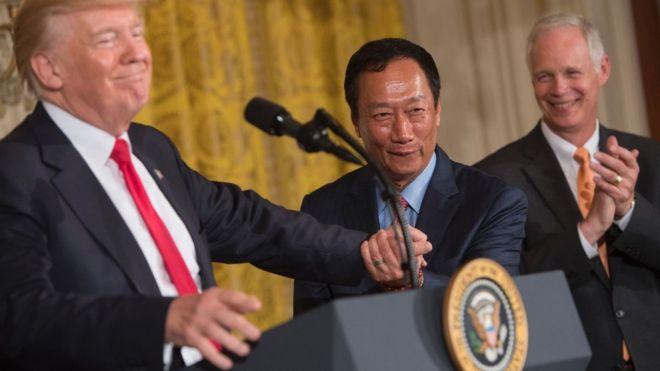 郭台銘成為第一個在白宮演講的台灣人!他的英語很棒嗎?錯了… 他快四十歲才學